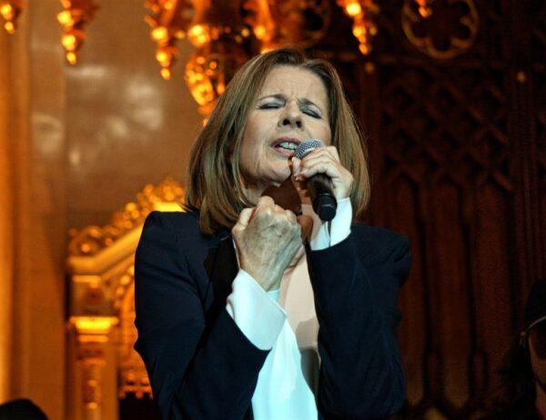 Szakrális a szakrálissal: Koncz Zsuzsa a zsinagógában koncertezett