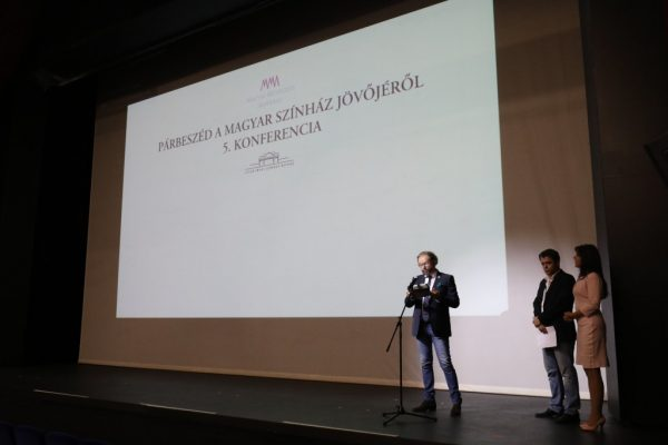 Párbeszéd a magyar színház jövőjéről