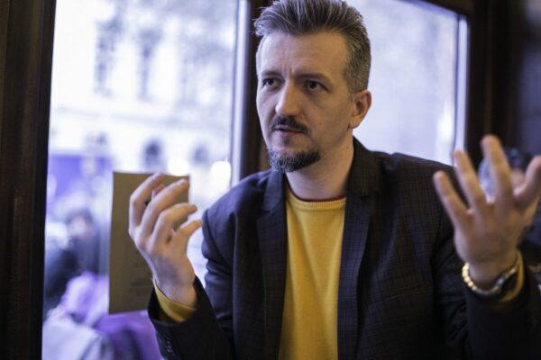 """""""…emberekről, az emberi sorsokról szerettem volna beszélni…"""" – interjú"""