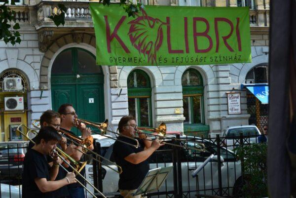 Családi fesztivállal kezdi új évadát a Kolibri Színház